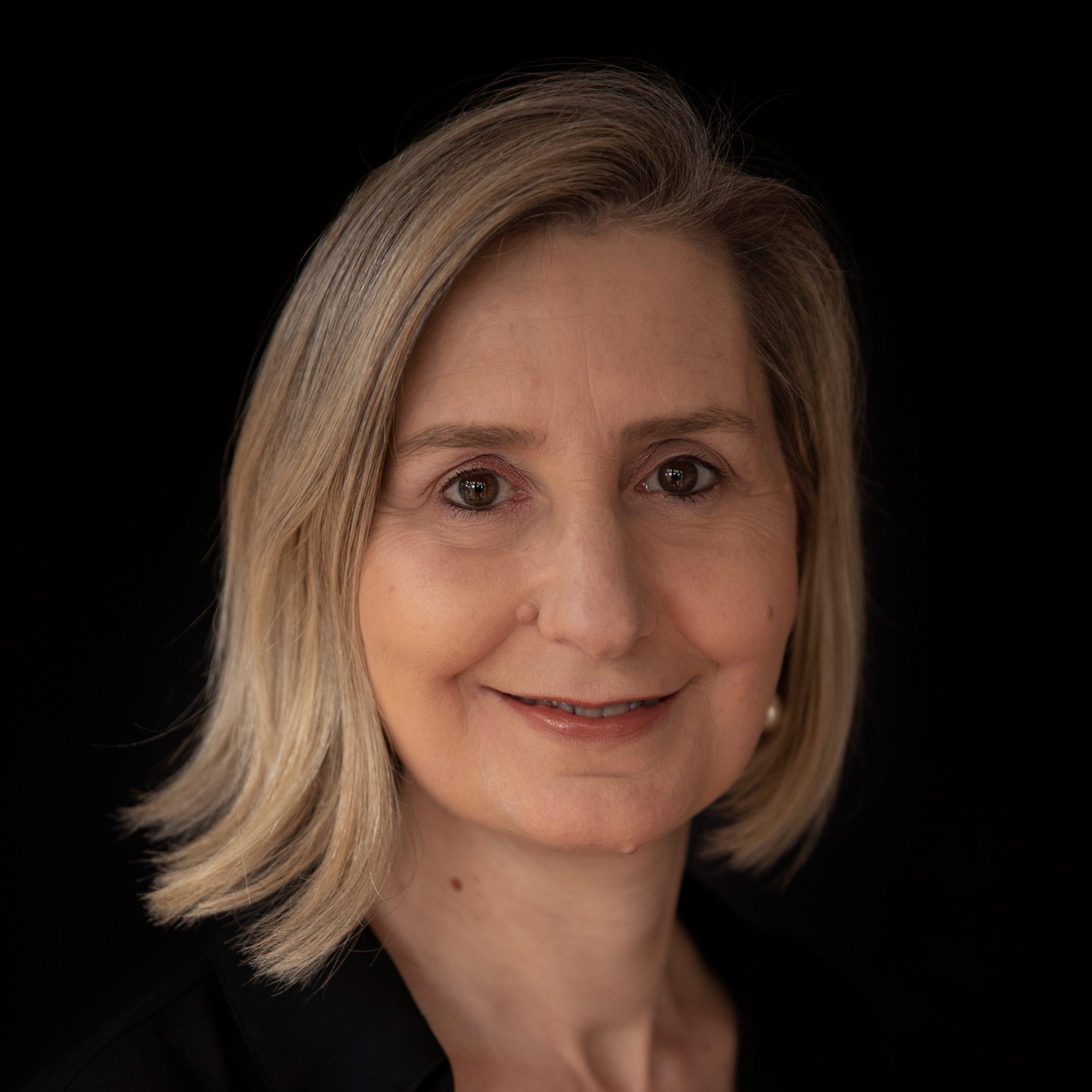 Dr Helen Savoia