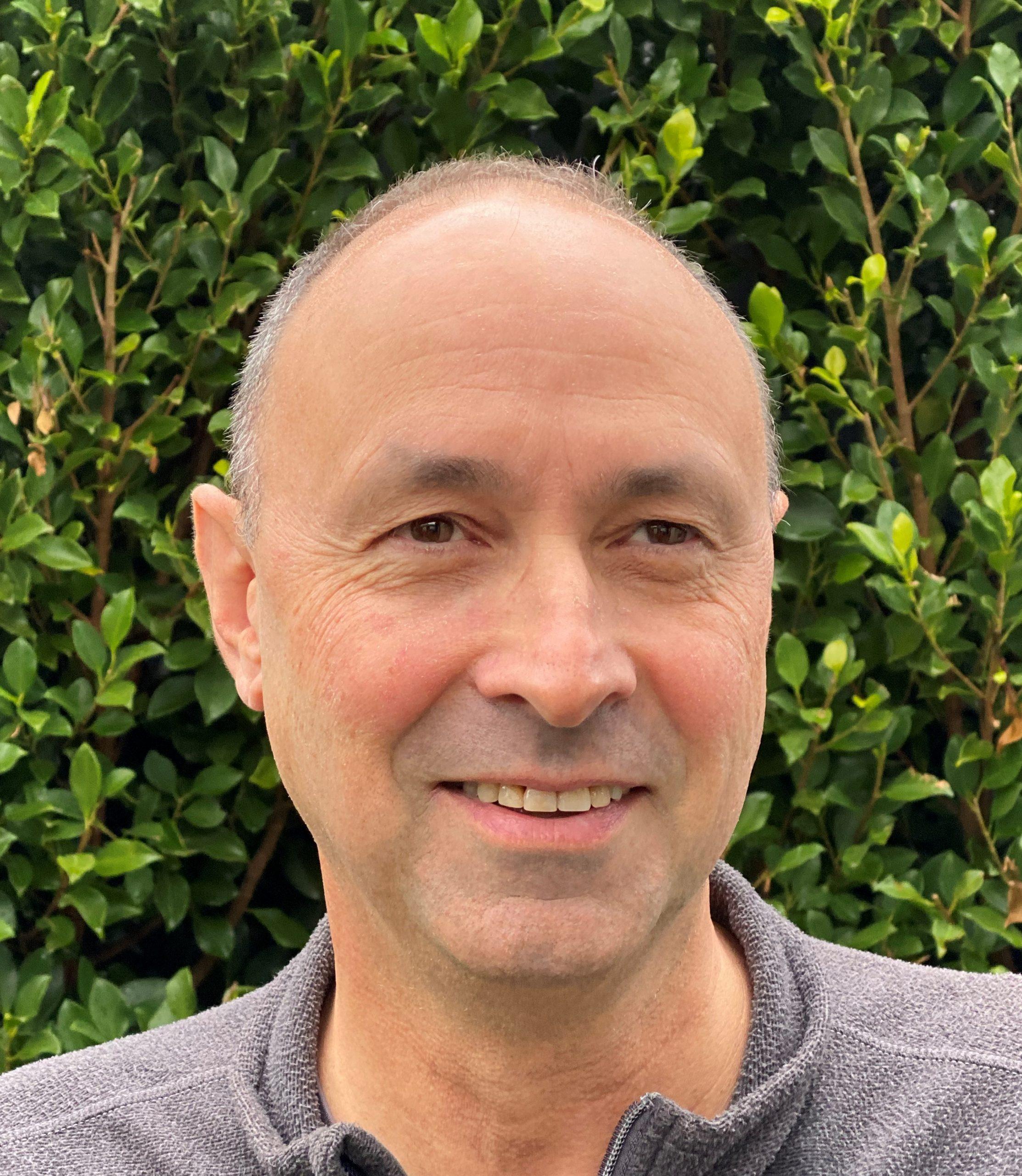 Dr Peter Eizenberg