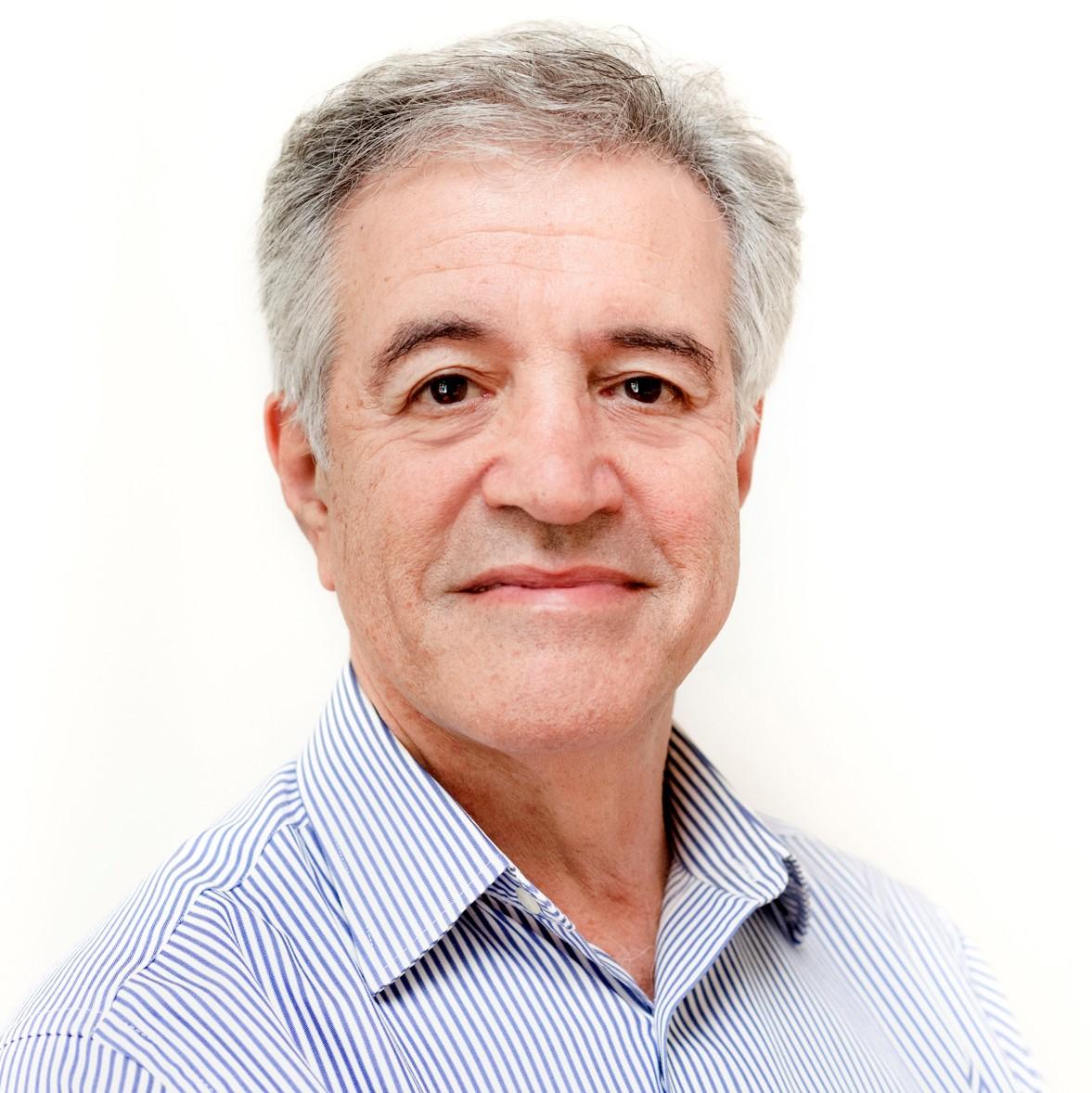 Dr Colin Mendelsohn