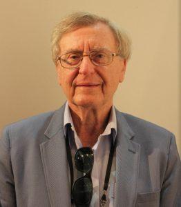 Dr Stephen Graves